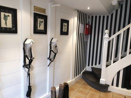 Najeti Hotel Chateau Clery: Opgang naar kamers