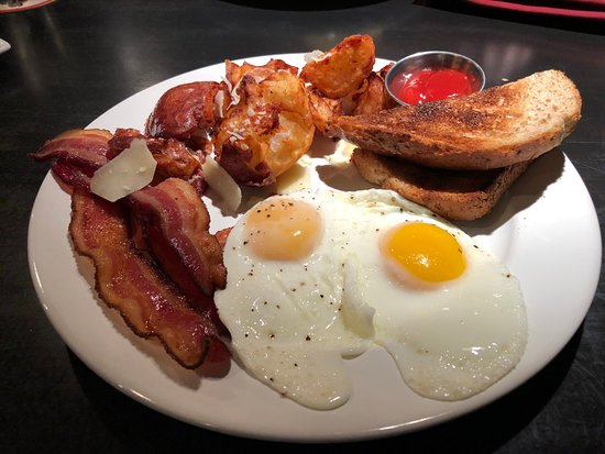 Triumph Grill: 2 Eggs with Bacon, Potatoes and Toast