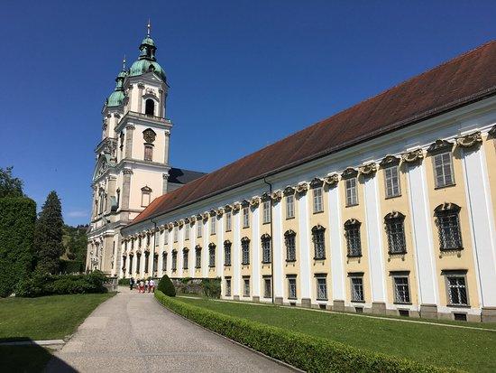 Augustiner Chorherrenstift St. Florian: Stift von außen