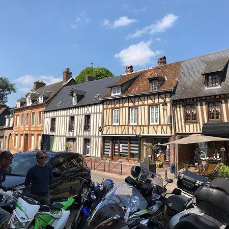 Lyons-la-Foret, ฝรั่งเศส: photo0.jpg