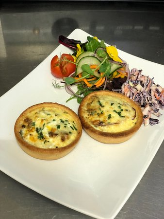 Hatherleigh, UK: Quiche of the day