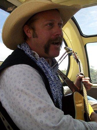 Williams, AZ: Singing cowboy.