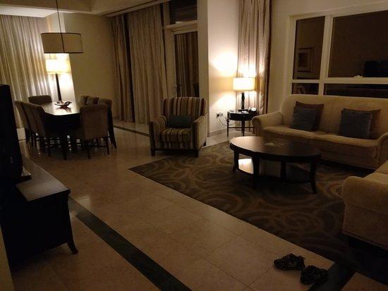 Dubai Marriott Harbour Hotel & Suites: IMG_20180504_042218_large.jpg