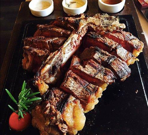 Trattoria Dall'Oste: Le steak est délicieux et a beaucoup d'ingrédients