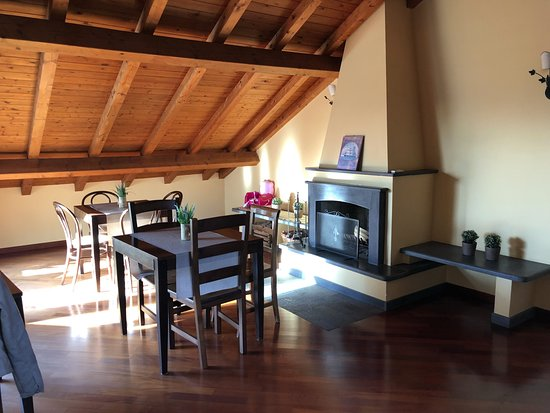 Sant'Agata li Battiati, Italia: Zona colazione