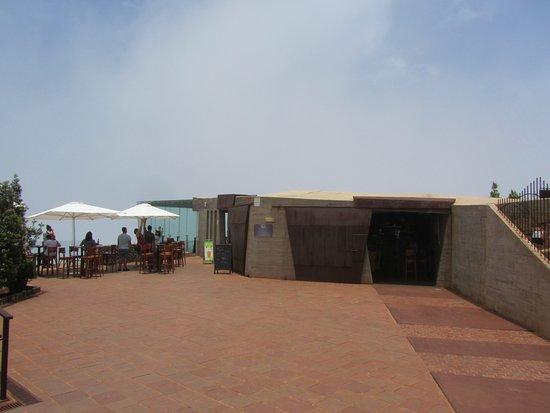 Agulo, สเปน: vista general restaurante y mirador