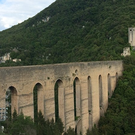 The Tower's Bridge: Ponte delle Torri