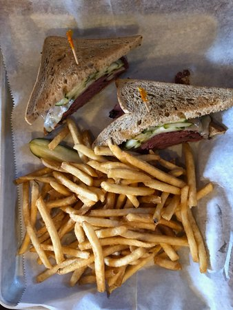 Fharmacy: pastrami with fries