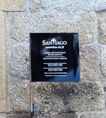 Igreja de Santiago e Panteão dos Cabrais: Placard da Igreja