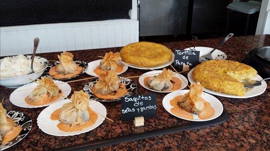 Arteixo, إسبانيا: Variedad de comidas
