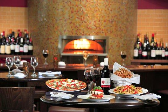 Clifton Park, NY: Pizza, Scarpetta, & Fries in the bar