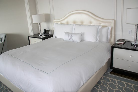 Waldorf Astoria Beverly Hills: Beverly Hills View Bedroom