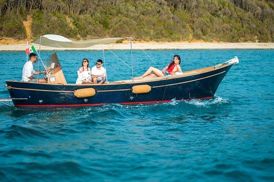 Cala Violina Boat Tour照片