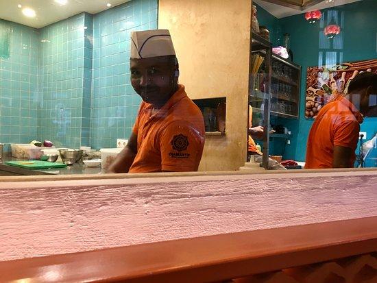 Namaste Indian Restaurant: View of the kitchen