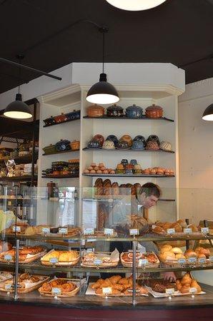 St. Honore Boulangerie: Interior