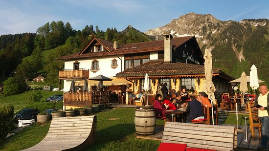 Caux, سويسرا: 20180519_195841_large.jpg