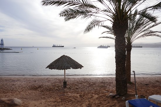 Movenpick Resort & Residences Aqaba: The beach area