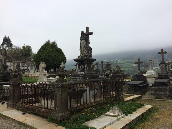 Cementerio Viejo De Mondonedo