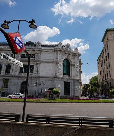 Calle de Alcala: Great architecture