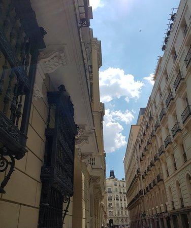 Calle de Alcala: Great street, great area.