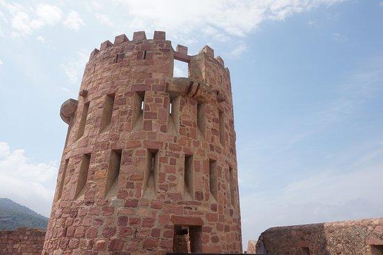 Castillo de Vilafames: Castillo Vilafamés (torre)
