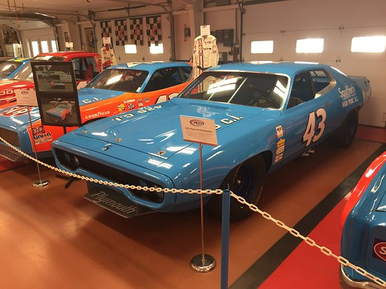 Randleman, NC: The Kings 1971 Plymouth Roadrunner