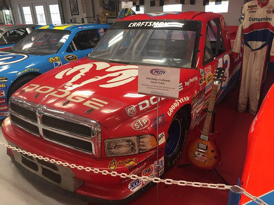 Randleman, Carolina do Norte: 1996 Dodge Craftsman Built By Petty Enterprise, Driven by Jimmy Hensley