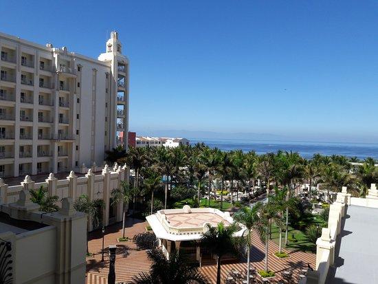 Hotel Riu Vallarta: Vista desde mi habitación 4to piso.
