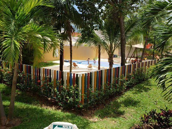 Viva Wyndham Maya - An All Inclusive Resort: outside of kids club at 3 pm