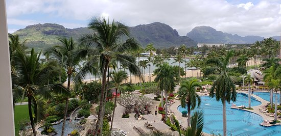 Kaua'i Marriott Resort: Pool and ocean view from room