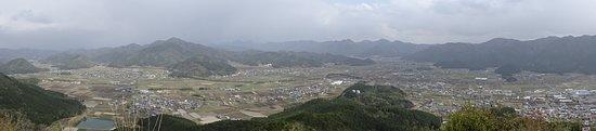 Kuroi Castle Ruins: 本丸跡からのパノラマ