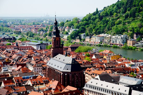Château d'Heidelberg : View of the Holy Ghost Church and the Old Town