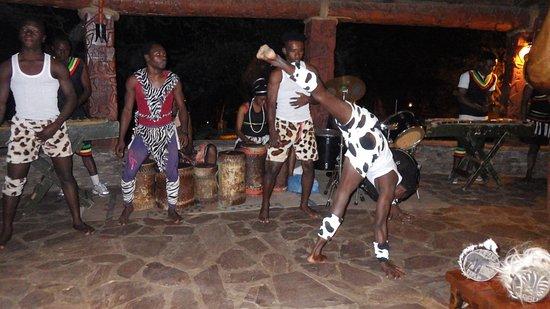 Serengeti Serena Safari Lodge: Entertainment at the Lodge