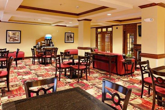Talladega, AL: Restaurant