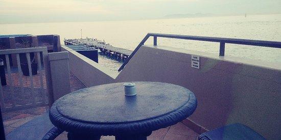 Strand Pavilion Resort: 20180519_073745_large.jpg