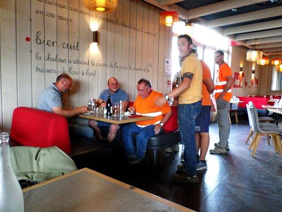 Courtepaille Lac de Viry-Chatillon: les clients suisses font part de leur mécontentement
