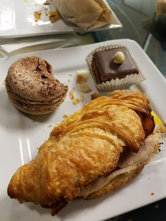 Amelie's French Bakery: Yummy!
