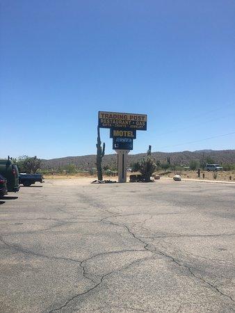 Wikieup, AZ: On the way in