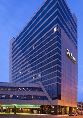 Radisson Hotel Fargo: Exterior