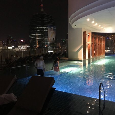Flow - Millennium Hilton Bangkok: photo2.jpg