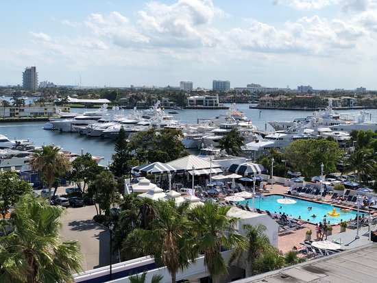 Bahia Mar Fort Lauderdale Beach - a Doubletree by Hilton Hotel: View of the Inter-coastal