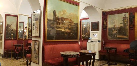 Caffe Greco: Inside