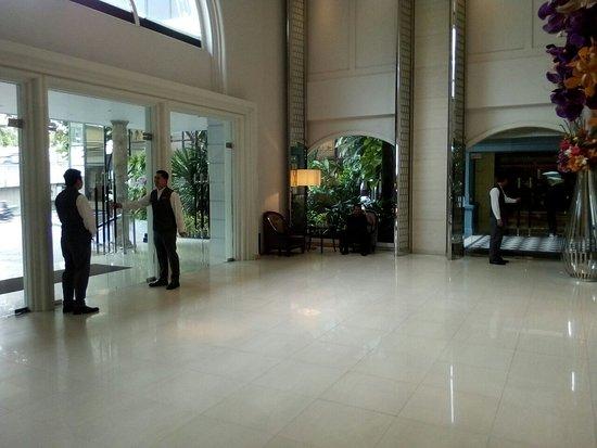 The Sukosol Hotel: TA_IMG_20180522_100705_large.jpg