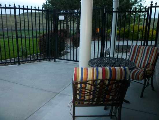 Touchet, WA: Seating outside our room
