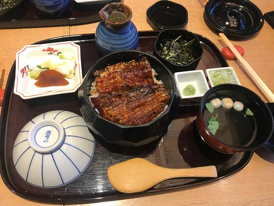 Himatsubushi Nagoya Bincho Esca: 鰻魚飯套餐