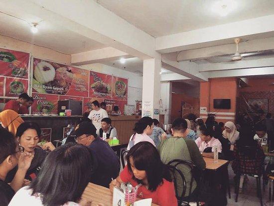 Ayam Geprek DBC: Makan-makan