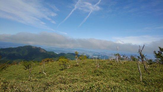 Mt. Amagoi: 雨乞岳から綿向山