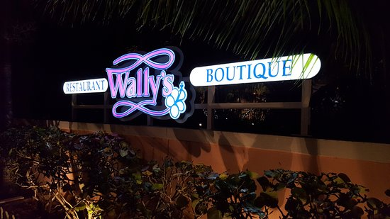 Wally's Restaurant: Sign in front of property.