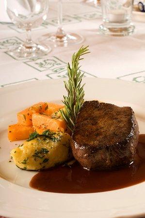Hotel Restaurant Wirtshaus zum Gaemsle: Gebratenes Hirschrückensteak
