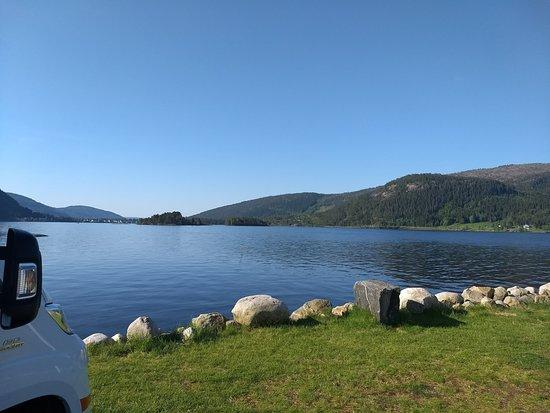 Byglandsfjord, Noruega: Utsikt fra bobil plasseringen.